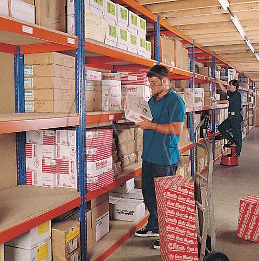 Metal Point Plus metal shelves for medium/high capacities